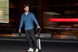 奥迪推出E-Tron电动滑板车,支持蓝牙连接-3