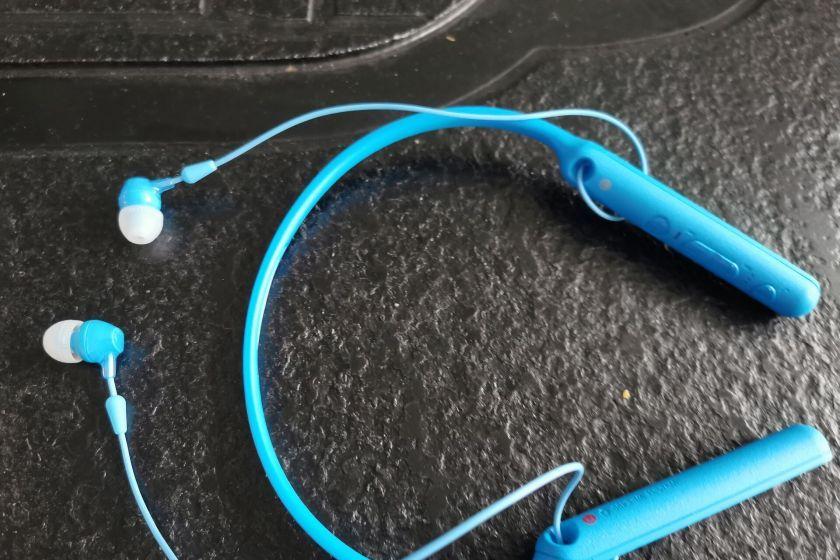 索尼 WI-C400蓝牙耳机 轻便实用的耳机-1