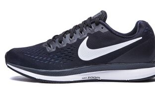 耐克(NIKE)跑步鞋哪款好?是NIKEUNAR SPIDER还是ZOOM STREAK 6-1