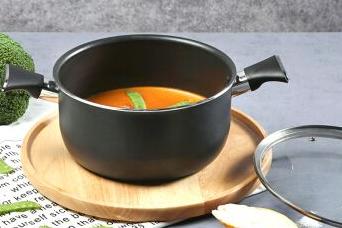 拉歌蒂尼煲汤锅和双立人比较哪个好?-1
