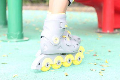 儿童轮滑鞋怎么选?推荐一款适合初学者的?-1