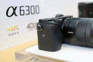 性价比超高的视频相机索尼A6300,如何搭配斯莫格兔笼拍视频-1