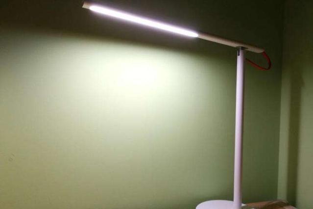 获多项设计奖项,米家LED智能台灯,现代家居必备-1
