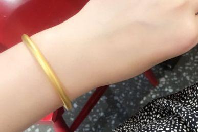 六福珠宝古法手镯系列如何?六福珠宝古法手镯有什么寓意?-1