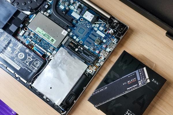 花费近两千元,给电脑升级1T SSD,不止开机打败全国99的玩家-2