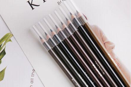 眉笔和眉粉哪个好用 眉笔如何挑选颜色-1