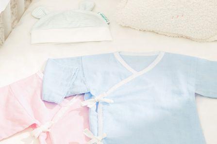 新生儿穿什么衣服 婴儿穿衣指南-1