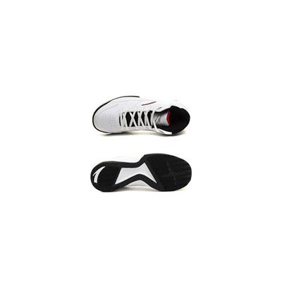 防滑运动鞋
